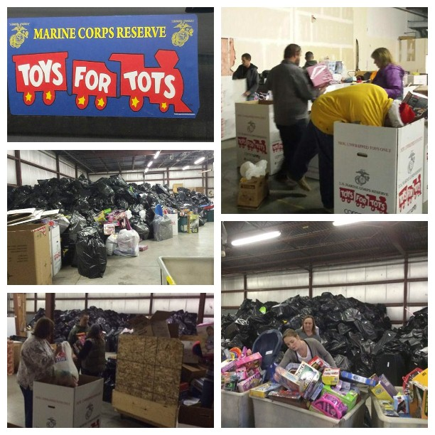 Toys For Tots Volunteer : Lewis clark volunteers with toys for tots and